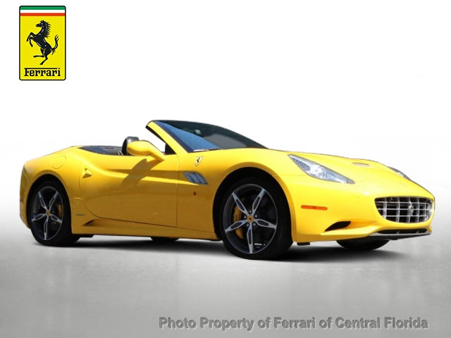 Pre-Owned 2013 Ferrari California 2dr Convertible
